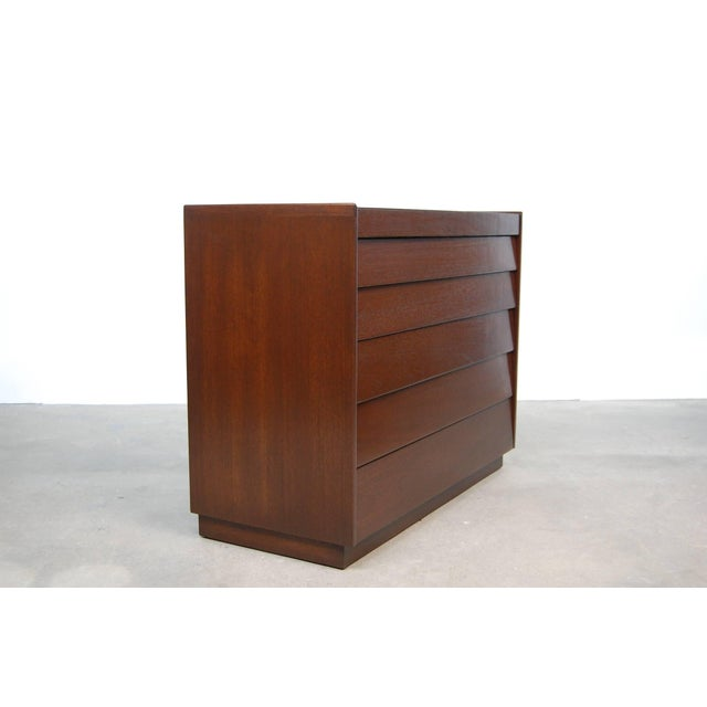 Mid-Century Modern Early Pair of Louver Front Dressers by Edward Wormley For Sale - Image 3 of 5