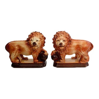 Antique English Staffordshire Lions C.1900s, a Pair For Sale