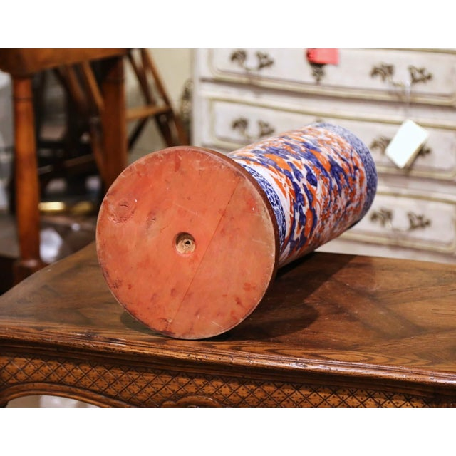 Early 20th Century Japanese Hand Painted Imari Porcelain Umbrella Stand For Sale In Dallas - Image 6 of 7