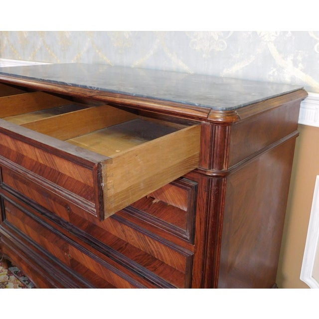 Antique Carved French Directoire Style Black Marble Top Walnut 5 Drawer Chest c1890 For Sale In New York - Image 6 of 11