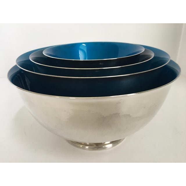 Reed & Barton Mid-Century Reed & Barton Silver-Plated Revere Bowls With Blue Enamel Interiors - Set of 4 Sizes For Sale - Image 4 of 13