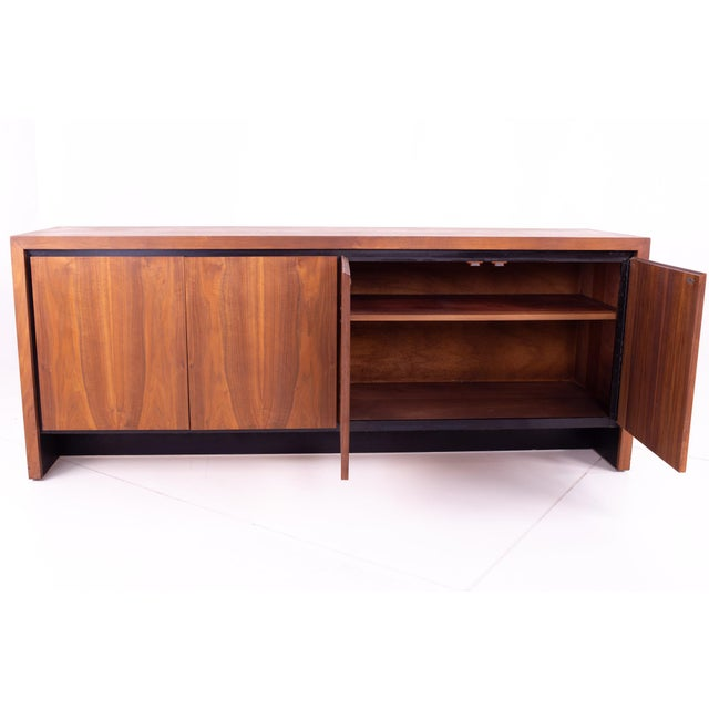 Dillingham Mid Century Milo Baughman for Dillingham Bookmatched Walnut Sideboard Buffet For Sale - Image 4 of 13