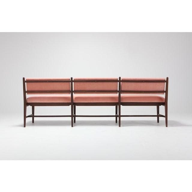 Midcentury Scandinavian Modern Bench in Pink Velvet and Wenge For Sale - Image 4 of 9