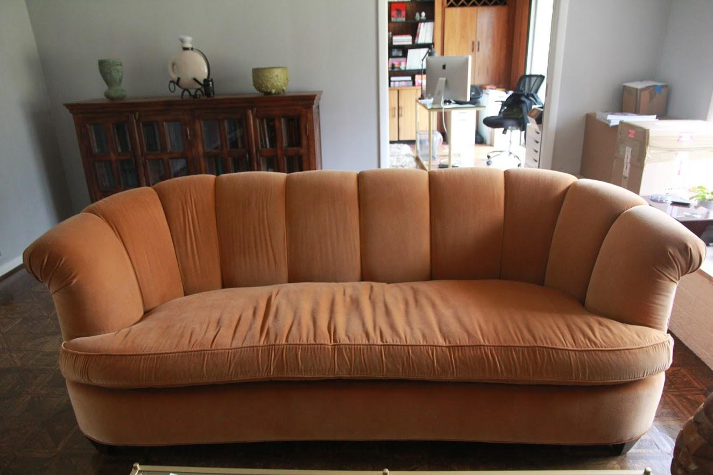 Superbe Kravet Tangerine Velvet Hollywood Regency Sofa For Sale   Image 4 Of 4