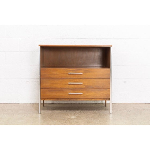 Mid Century Paul McCobb for Calvin Chest of Drawers For Sale - Image 11 of 11