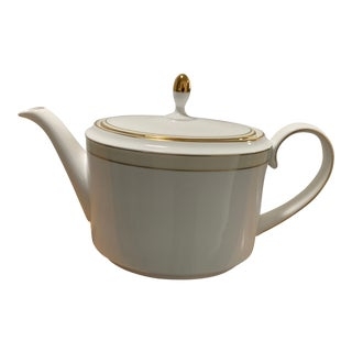 Vintage Teapot & Lid by Vera Wang for Wedgwood For Sale