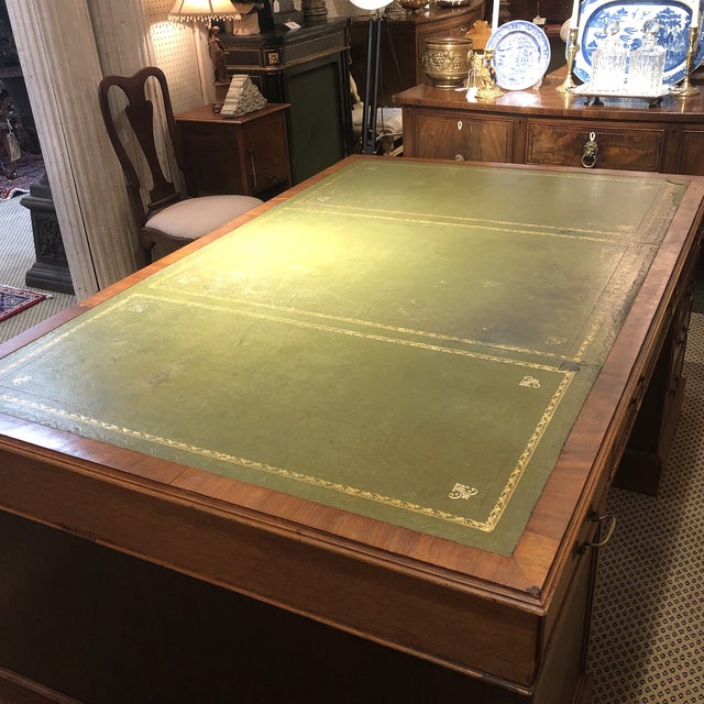 1900s Georgian Style Mahogany Partners Desk With Leather Top For Sale - Image 6 of 12