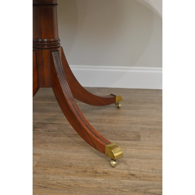 Gold Hekman Flame Mahogany Yew Wood Banded Single Pedestal Dining Table For Sale - Image 8 of 13
