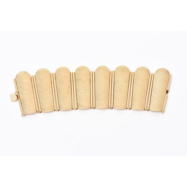 Napier Modern Gold Tone Cuff Bracelet For Sale In Miami - Image 6 of 11