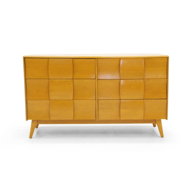 Heywood Wakefield Six-Drawer Sculptura Dresser in Original Blonde Finish For Sale - Image 9 of 9