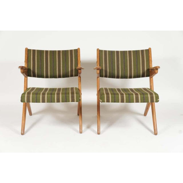 Mid-Century Modern Pair Scandinavian Modern Scissor or Sawbuck Arm Chairs in Manner of Hans Wegner or Folke Ohlsson For Sale - Image 3 of 11