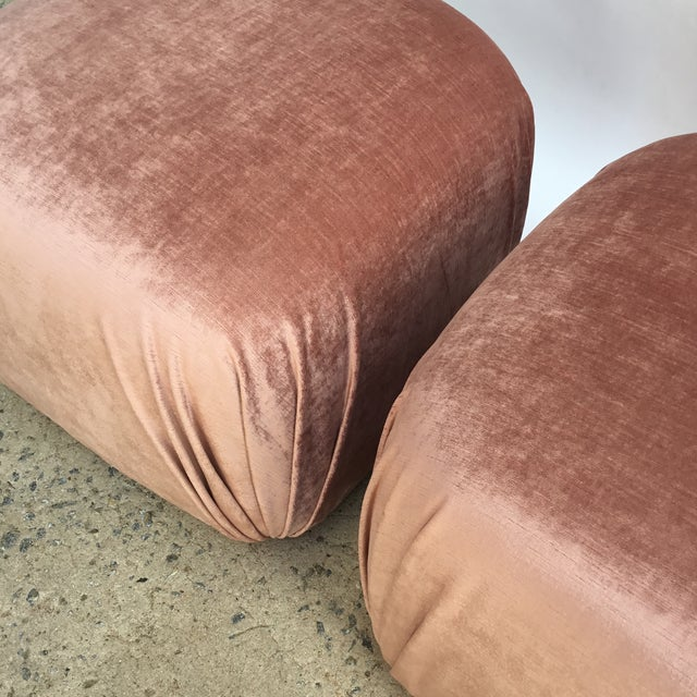 Silk Pair of Vintage Ottomans Poufs in Style of Karl Springer in Rose Quartz Silk Velvet For Sale - Image 7 of 8