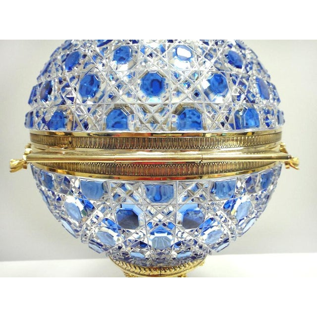 White Monumental Crystal and 24k Caviar Bowl by Cristal Benito For Sale - Image 8 of 13