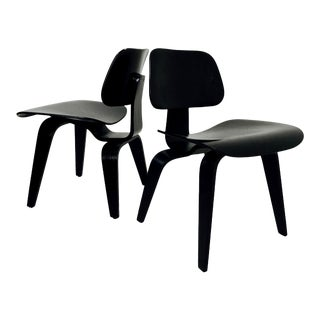 Eames Lcw Molded Plywood Lounge Chairs for Knoll - a Pair For Sale