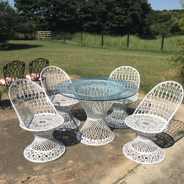 Gorgeous Set of 4 Spun Fiberglass Outdoor Chairs complete with matching Dining Table This set is in EXCELLENT Vintage...