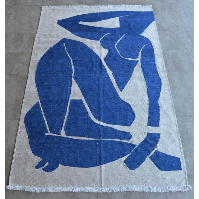 Henri Matisse - Blue Nude 3- Inspired Silk Hand Woven Area - Wall Rug 4′4″ × 6′9″ For Sale In New York - Image 6 of 12