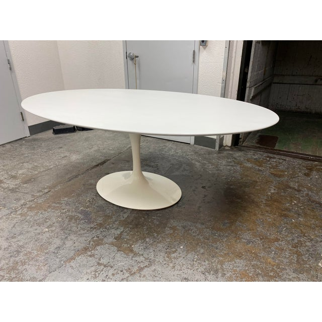 American Eero Saarinen Rove Concepts Tulip White Lacquered Table For Sale - Image 3 of 13