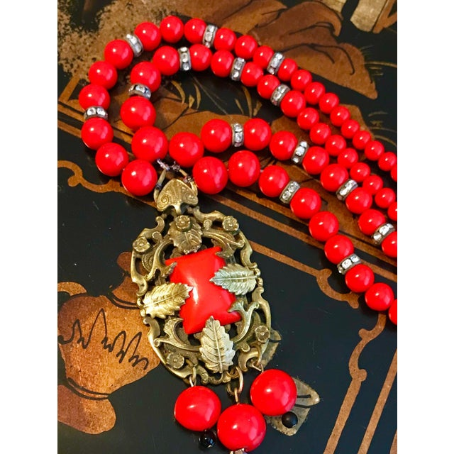 1930s Red Beaded Pendant Necklace For Sale - Image 4 of 6