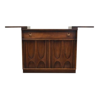 Broyhill Brasilia Walnut Mid Century Barcart For Sale