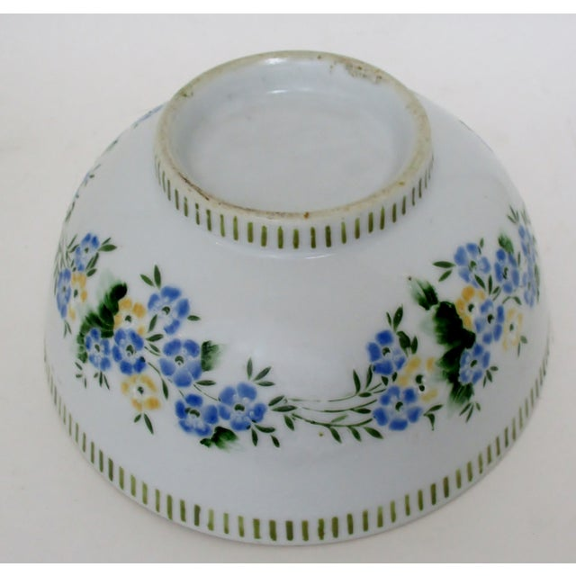 Chinese Porcelain Serving Bowl For Sale In Los Angeles - Image 6 of 7
