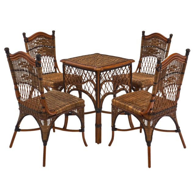 English Wicker Chairs and Table Set For Sale