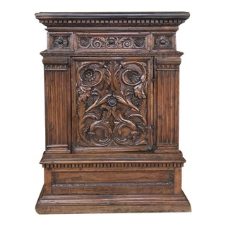 17th Century Italian Renaissance Cabinet For Sale