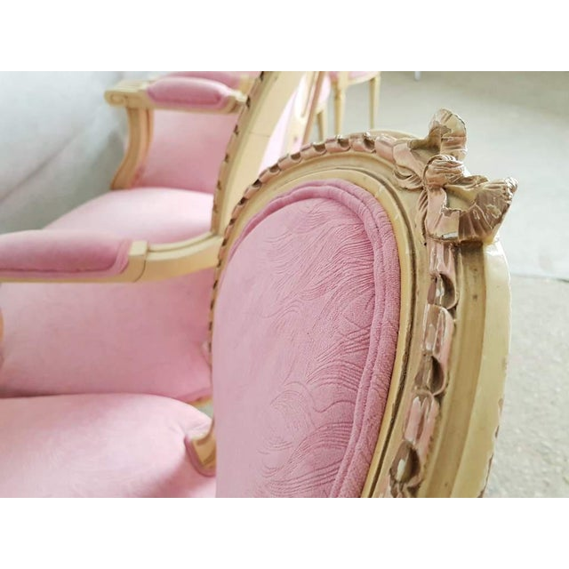 Early 20th Century Set of 6 Antique French Louis XVI Restored in Pink Dining Chairs 2 Armchairs 4 Side Chairs For Sale - Image 5 of 13