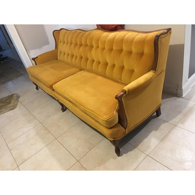 Victorian Victorian Style Gold Velvet Couch For Sale - Image 3 of 7