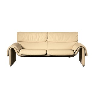 1990s De Sede Ds-2011 Two-Seat Sofa in Crème Leather For Sale