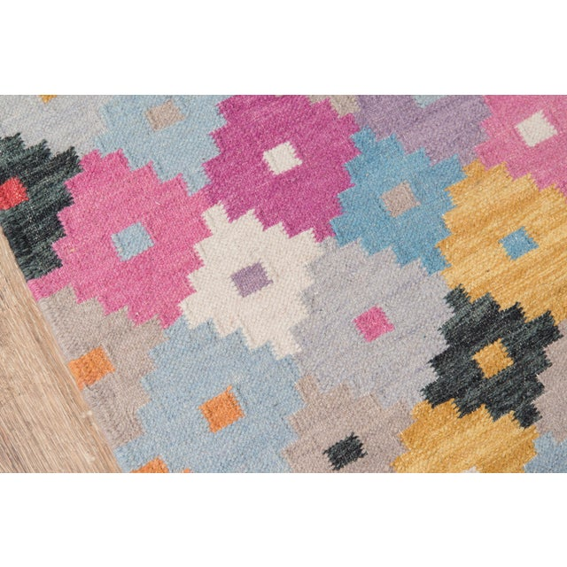 "Boho Chic Momeni Caravan Hand Woven Multi Wool Area Rug - 7'6"" X 9'6"" For Sale - Image 3 of 6"