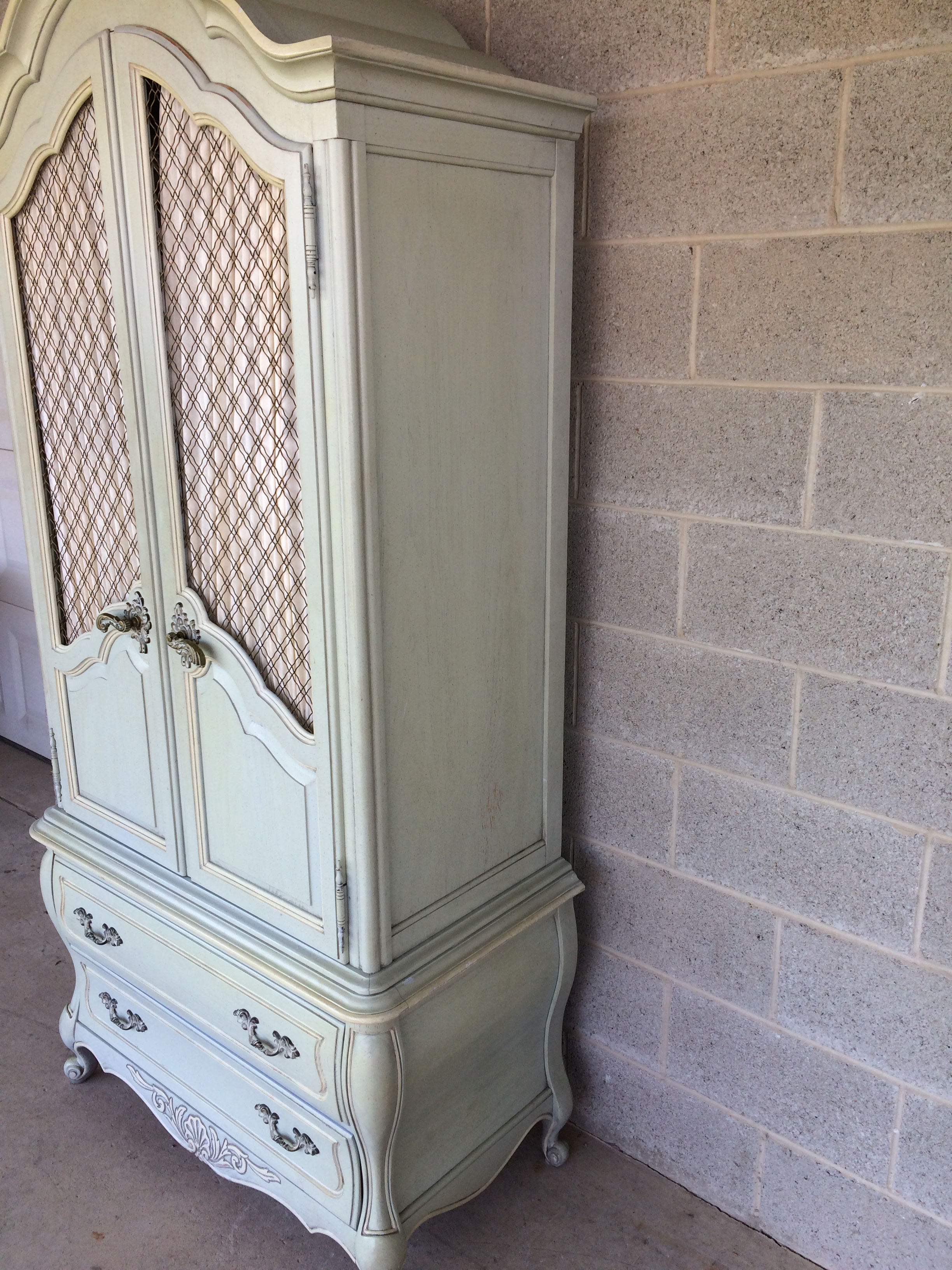 Superieur Hickory White French Provincial Armoire   Image 6 Of 11