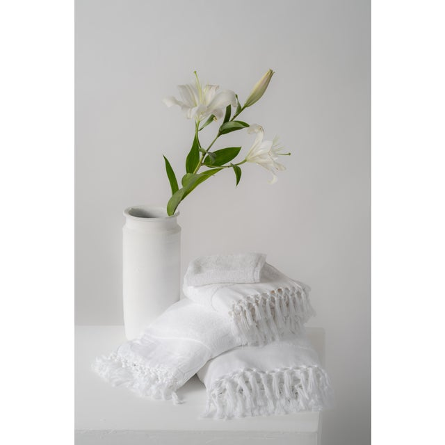 The Plush & Bare Face Cloth is a luxe, quick-drying face towel which is handwoven purely with certified organic cotton...