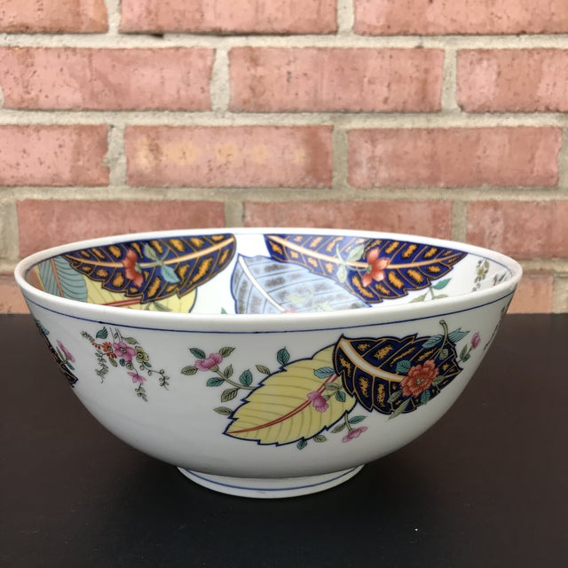 1970s 1970s Vintage Tobacco Leaf Large Porcelain Serving Bowl For Sale - Image 5 of 11