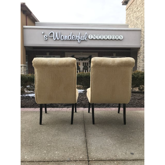 1940s Hollywood Regency Vintage Tufted Klismos Slipper Chairs- a Pair Champagne Velvet For Sale - Image 4 of 10