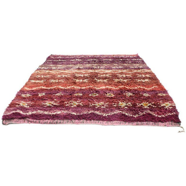 Tribal Vintage Berber Moroccan Rug with Modern Style For Sale - Image 3 of 5