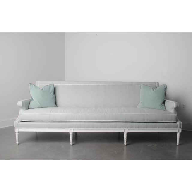 Traditional Lavinia Sofa For Sale - Image 3 of 3