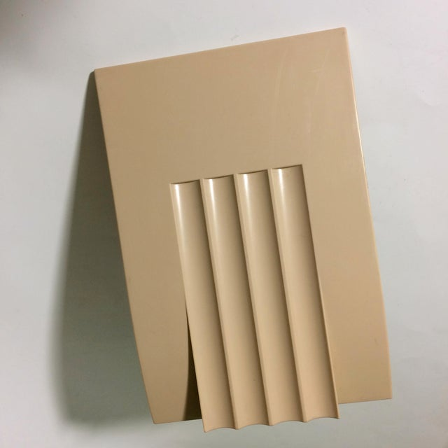 1960s Mid-Century Sculpted Plastic Bookend - Image 2 of 5