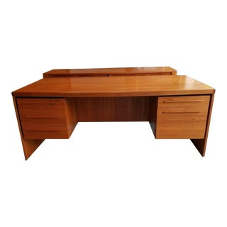 Hp Hansen's Randers Møbelfabrik Mid-Century Danish Modern Teak Executive Desk For Sale