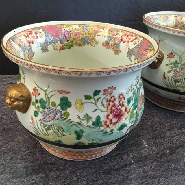 Early 19th Century Pair of Chinese Famille Rose Cachepots For Sale - Image 5 of 8