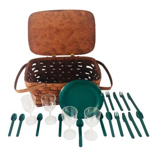 Vintage Service for 4 Dishes & Woven Picnic Basket - 21 Pc. For Sale