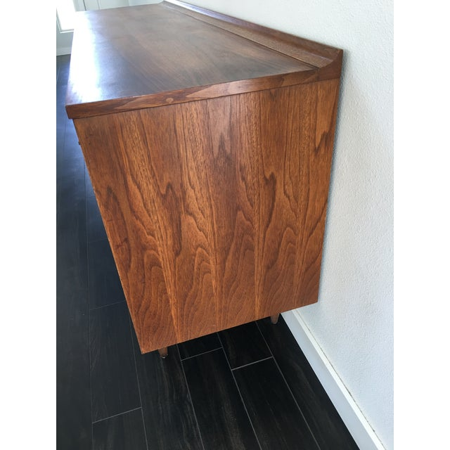 Broyhill 160s Mid Century Modern Broyhill Sculptura Walnut Credenza For Sale - Image 4 of 13