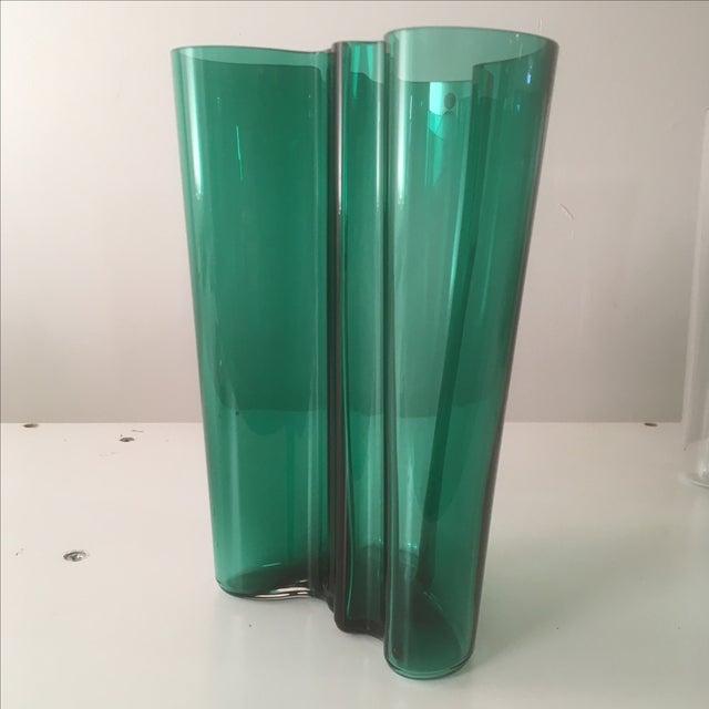 Iittala Emerald Green Glass Aalto Vase - Image 4 of 6