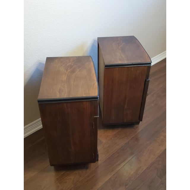 1930s Italian Art Deco Highly Figured & Burled Walnut Bedside Cabinet - a Pair For Sale - Image 12 of 12