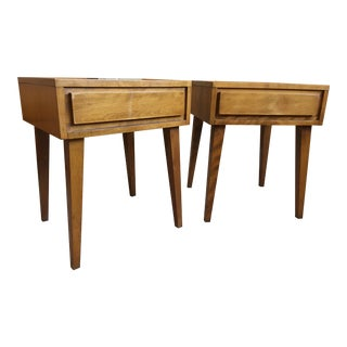 1950s Mid-Century Modern Conant Ball Side Tables - a Pair For Sale