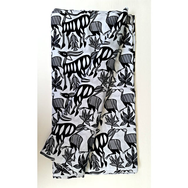 Black & White African Print Fabric - 1 Yard - Image 6 of 6