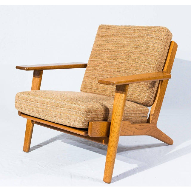 Mid-Century Modern Pair of Hans Wegner GE-290 Lounge Chairs For Sale - Image 3 of 10