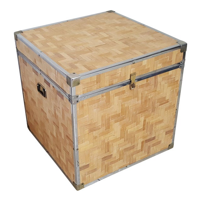 1970s Chinoiserie Woven Bamboo Storage Trunk For Sale