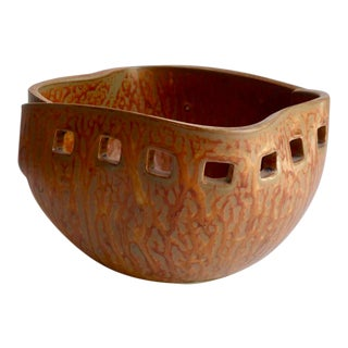 Japanese Studio Pottery Bowl Attributed to Toyo C. 1960s For Sale
