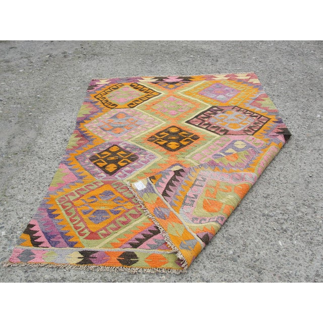 Vintage Turkish Kilim Rug - 5′5″ × 7′8″ For Sale - Image 10 of 11