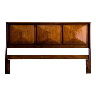 Mid Century Modern United Furniture Co. Diamond Front Queen Headboard For Sale